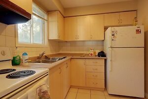 Ideal student rental! Great for groups of 3 and 4! Kitchener / Waterloo Kitchener Area image 5