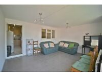 *1/2 BEDROOM FLAT WITH GARDEN IN NORTHFIELD AVAILABLE NOW*