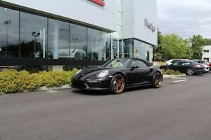 2017 Porsche 911 Turbo Cabriolet Pre-owned v