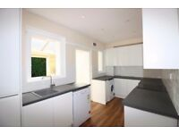 STUNNING 2B LOFT, LARGE BACK GARDEN WITH SUMMER HOUSE AVAILABLE IN MANCHESTER GROVE, DOCKLANDS DF541