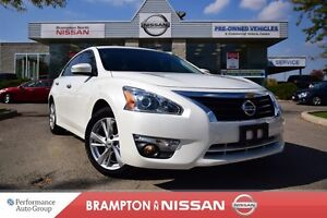 2015 Nissan Altima 2.5 SL Tech package *Navigation,Blind spot wa