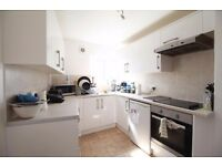 **3 Double bedroom flat with separate Lounge in Crouch End close to transport, perfect for sharers!*