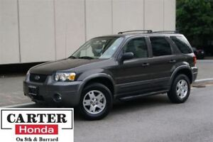 2006 Ford Escape XLT V6 + LEATHER + LOCAL + SUNROOF + A/C!