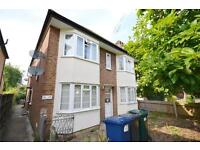 1 bedroom flat in Temple Avenue, Whetstone, London, N20