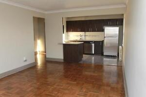 Close Walk to Downtown Port Credit - Luxury 1 Bedroom!