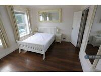1 bedroom in Weyside Road, Guildford, GU1 (#815350)