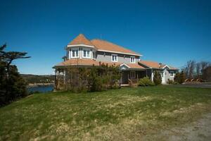 33 Motion Dr, Torbay - Private Deck with Amazing Ocean Views!