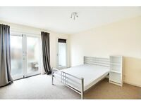 GREAT 4 BED NO LOUNGE 10 MINUTES FROM SEVEN SISTERS STATION WITH PRIVATE GARDEN*