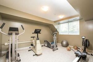 SPACIOUS RENOVATED SUITES AVAILABLE NOW! London Ontario image 10