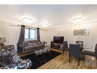 Luxurious three double bedroom Flat in Victoria