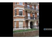 3 bedroom flat in Maida Vale, London , W9 (3 bed)