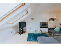 3 bedroom flat in Bridge House, Newquay, TR7 (3 bed) (#981399)