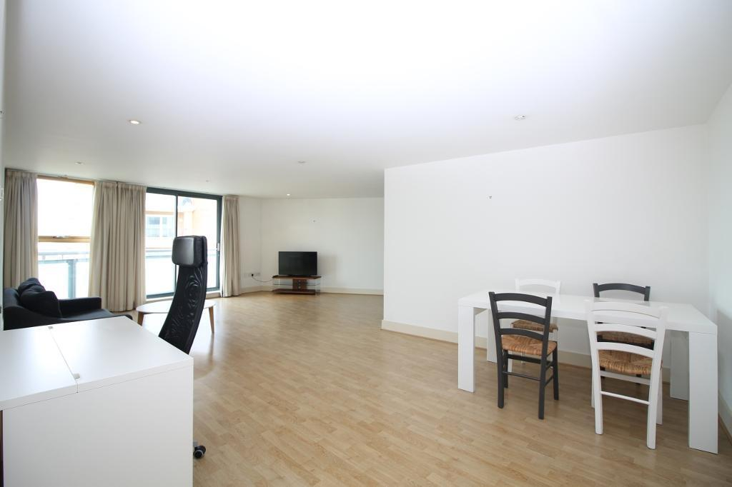 2 bedroom flat in The Odyssey, Galaxy Building, Docklands E14