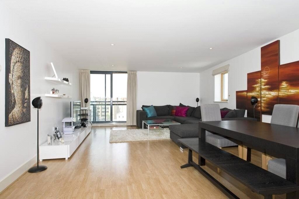 ***MODERN 2 BED 2 BATH APARTMENT ON WESTFERRY ROAD E14 - AVAILABLE NOW - £380 PER WEEK***
