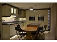 Looking for 2 other people to share a luxury 3 bed Belfast city centre apartment