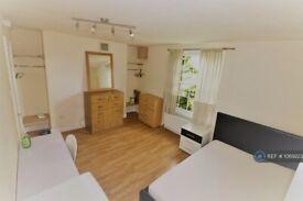1 bedroom in New Cross Road, New Cross Gate, SE14 (#1069223)