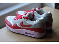 Nike Air Max Size 6 Woman's