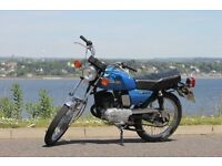 RARE SUZUKI GP100 2 STOKE 11HP LEARNER MOTORBIKE IN VGC 80MPG CLASSIC INS £17 R TAX, NO DEPRECIATION
