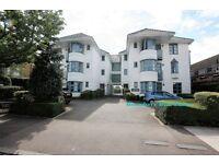 2 bedroom flat in Sunningfield Road, Hendon, NW4