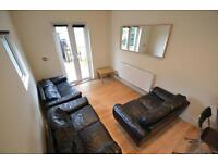 6 bedroom house in Llantrisant Street, Cathays, Cardiff