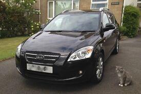 Kia Cee'd Estate. 1600 Diesel. 2008. FSH, 11 months MOT, Versatile well looked after car. Great mpg.