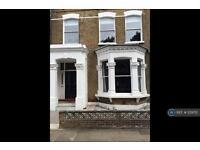 3 bedroom flat in Gloucester Drive, London, N4 (3 bed)