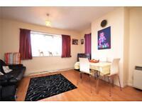 2 bedroom flat in Vane House, The Grange, London, N2