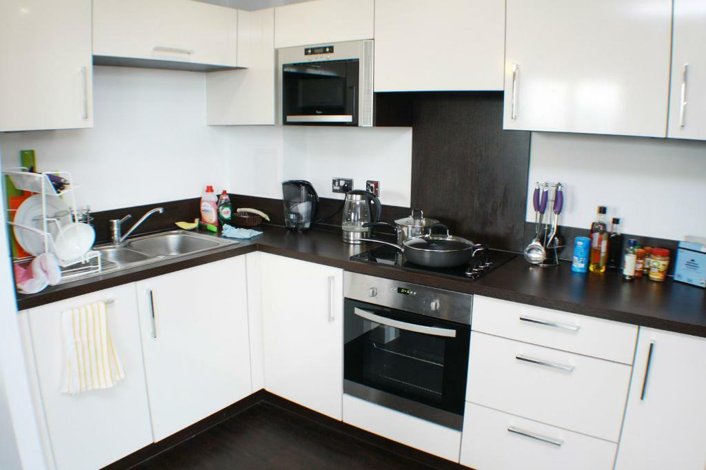 Stunning 2 Bedroom Available in Lewisham New Development! *PRICEBUSTER* High Floor stunning views!