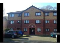 2 bedroom flat in St George Court, Crawley, RH10 (2 bed)