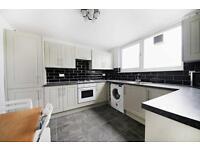 4 bedroom flat in Hardel Walk, Tulse Hill