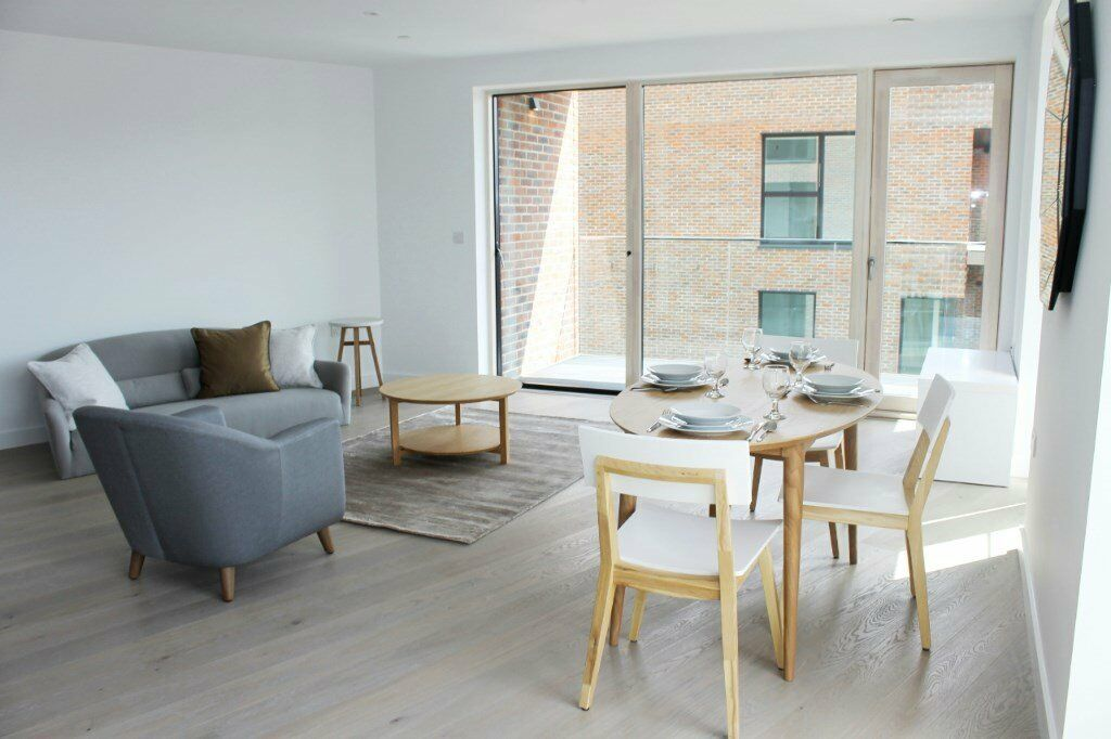 AVAILABLE NOW, VACANT! BRAND NEW DESIGNER FURNISHED 1 BEDROOM APARTMENT ELEPHANT & CASTLE ZONE 1 & 2