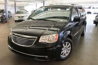 2013 Chrysler Town & Country 4D Wagon