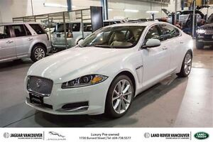 2014 Jaguar XF 3.0L V6 AWD 0.9% Finance!