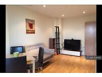 1 bedroom flat in Prestons Road, London, E14 (1 bed)