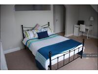 1 bedroom in Hunters Grove, Hayes, UB3