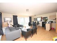 3 bedroom flat in Aerodrome Road, Colindale