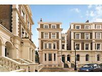 Albert sq. Lovely one bed top floor flat over looking Albert sq Gardens