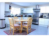 4 bedroom house in 23 Pyecombe Corner, North Finchley
