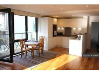 2 bedroom flat in Palmers Road, London, E2 (2 bed)