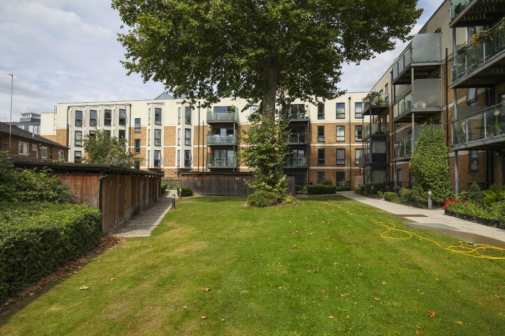 1 bedroom flat in 40 Greenwich High Road, London, SE10 ...