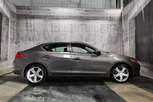 2013 Acura ILX TECH w/ NAVIGATION / LEATHER / SUNROOF