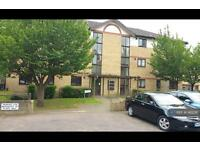 2 bedroom flat in Chenies Way, Watford, WD18 (2 bed)