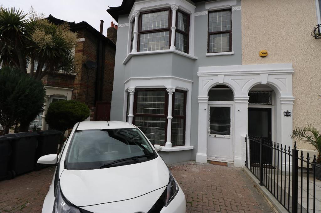 5 bedroom house in Greenleaf Road, Walthamstow