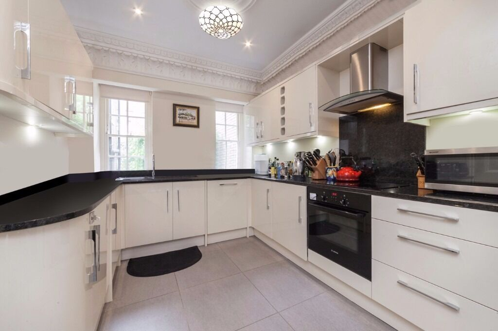 Newly refurbished Townhouse seconds away from Harrods and Knightsbridge station.
