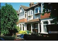 3 bedroom house in Dudley Road, London, N3 (3 bed)