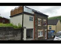 3 bedroom house in Brook Street, Ferndale, CF43 (3 bed)