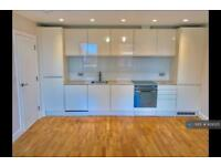 2 bedroom flat in Carshalton Road, Sutton, SM1 (2 bed)