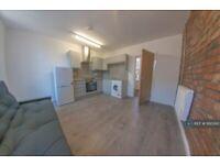 1 bedroom flat in Hyde Park Corner, Leeds, LS6 (1 bed) (#1160393)