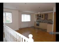 2 bedroom flat in Minton Court, Bolton, BL3 (2 bed)
