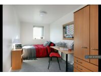 5 bedroom flat in Mulberry Court, Southampton, SO14 (5 bed) (#1055160)